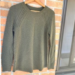 LOFT olive green & gold knit crew neck sweater